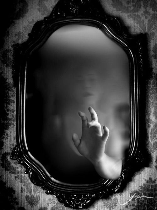 mirror_ghost